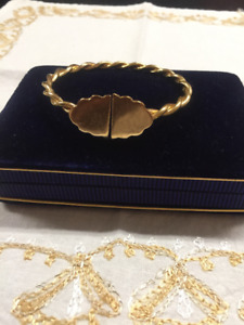 18kt solid gold bangle/bracelet