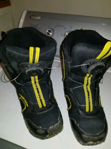 Boys or girls Norris Ride  snowboarding boots.