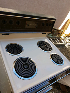 Old stove in good working condition 70 obo