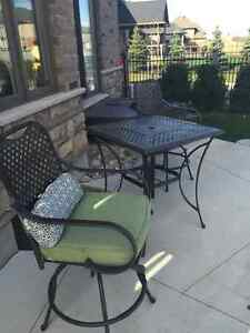 Garden Table and chair set for two $100 London Ontario image 1
