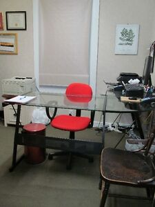 Churchill Sq One Room Office Lease