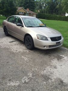Nissan Altima 2.5S Speacial edition (broken transmission)