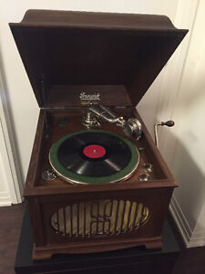 Antique Brunswick working phonograph
