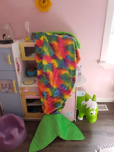 Large mermaid tail blanket