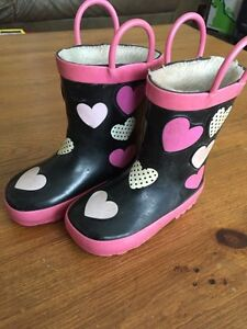 Rain boots sizes 7