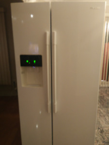 "Samsung 36"" Refrigerator with Ice and Water Dispenser"