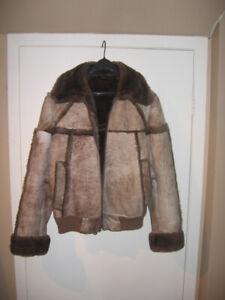 Aubaine: Manteau hommes hiver en peau renversé comme neuf!