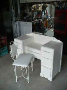 Antique dressing table with chair