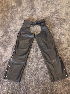 MEN'S LEATHER CHAPS SIZE 42 **BRAND NEW**