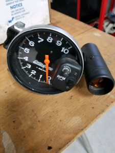 Autometer tach with shift light