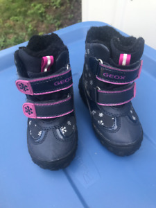 Geox Winter Boots - Toddler Size 21 (NEW)