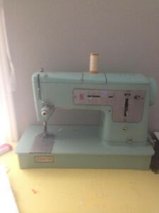 Teal Singer Style mate Sewing Machine