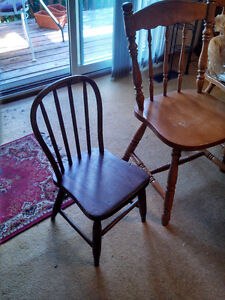 "NICE ANTIQUE SOLID WOOD ""HOOP BACK"" CHILDREN'S CHILD'S CHAIR Cambridge Kitchener Area image 2"