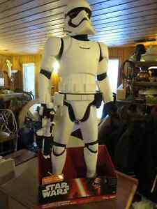 STAR WARS STORM TROOPER WITH BLASTER 31 INCHS TALL WITH BLASTER,