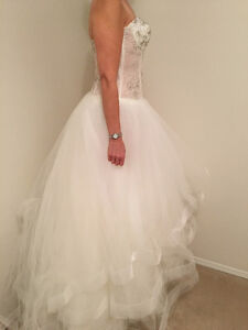 Brand new LC Nicole (Lillen Collection) wedding dress Edmonton Edmonton Area image 4