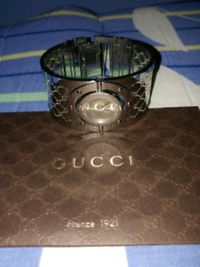 SILVER GUCCI WOMENS WATCH