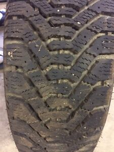 Good year Nordic winter tire 185/65/14
