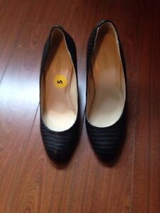 Brand new with tags black toe rounded pumps