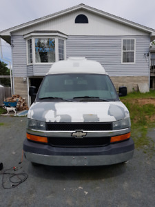 Chevrolet Express 3500 6.0L Modified Wheelchair Van *SOLD PPU*