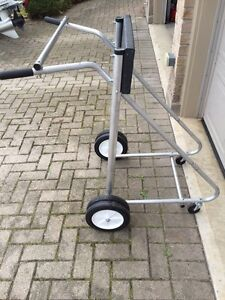 Outboard engine/motor stand/dolly