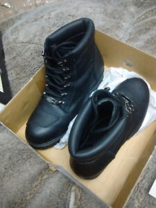 Motorcycle boots. New in box, retail 179.00
