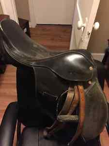 """Reduced for Quick sale ! Giffith 16"""" saddle"""