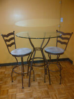 AMAZING TRICA BISTRO/DINETTE TABLE WITH 2 HIGH CHAIRS!!!!