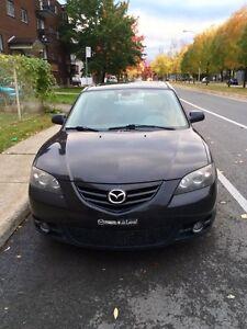NEGOCIABLE Mazda 3 Très Propre Very Clean!!!!!