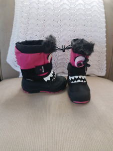 """Cute """"Monster Boots"""" size 8"""