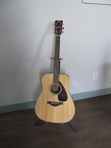 Yamaha Solid Top Guitar
