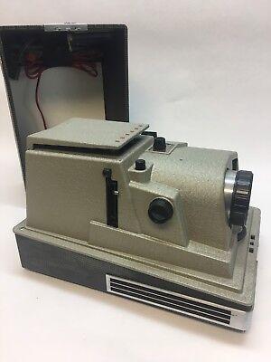Проекторы для показа Vintage Revere Model