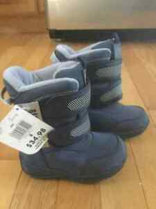 Brand new infant Wild Country boys winter boots