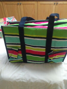 Thirty one zip top tote.
