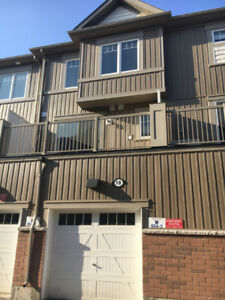 CONTEMPORARY 3-BDRM CONDO-TOWNHOUSE FOR RENT - OSHAWA