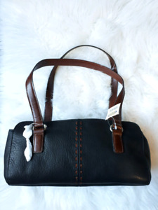 Fossil genuine leather purse (new)