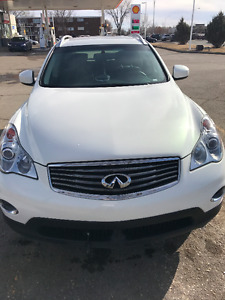 2015 Infiniti QX50 Base White and black
