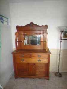 Buffet antique 110 et + Saguenay Saguenay-Lac-Saint-Jean image 1