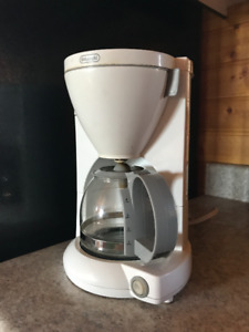 DeLonghi 4 cup drip coffee maker