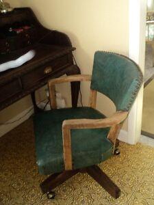 Chaise Vintage de bureau avec roulettes