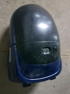 Kenmore vacuum cleaner with spare bags