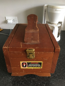 Vintage Esquire Shoe Shine Box