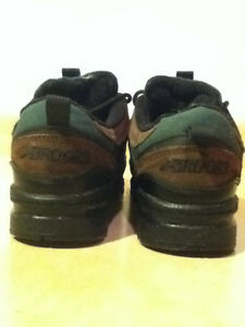 Green & Brown Brooks Sneakers Size 6.5 London Ontario image 3