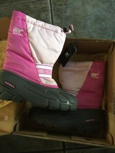 Sorel girls winter snow boots  Brand New