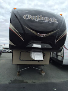 Owners Motivated to sell  Outback fifth wheel 286FRL
