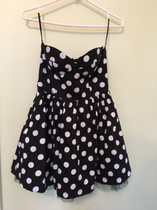 Polka Dot Black and White Strapless Prom Dress w/ tulle - Size s