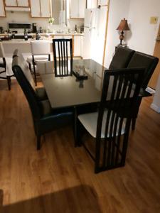 Ensemble de salle a manger  table  avec 6 chaise