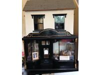 Dolls house art gallery 12th scale