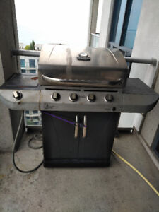 BBQ (gas) for sale (best offer)