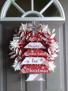 "NEW ""HOME FOR CHRISTMAS "" TREE WREATH"