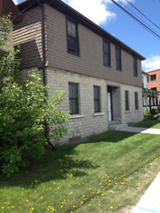 356 Montreal St. Unit 2- Gorgeous 2 Bdrm Apt. Downtown Kingston!